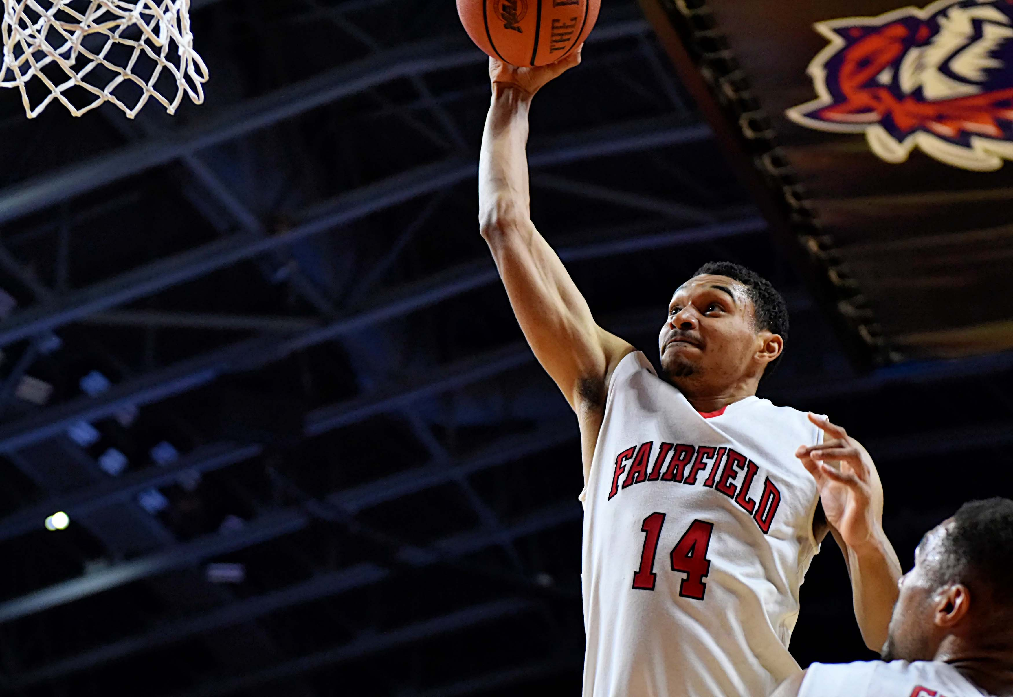 Fairfield s Marcus Gilbert Signs Pro Contract with FMC Ferentino